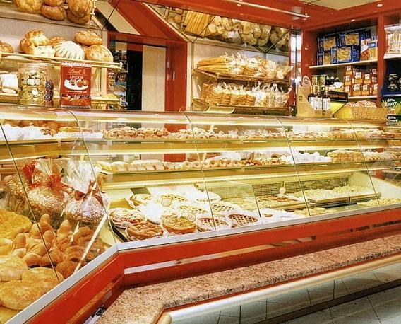 Arredamento Hostelería. Banchi frigo. Consulenza sull'avvio di attività come salumerie, minimarket e negozi alimentari.