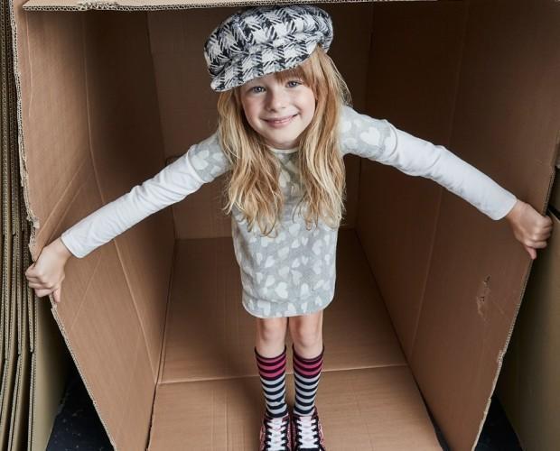 Abbigliamento per Bambine. Maxi Pull grigio con fantasia a cuori.