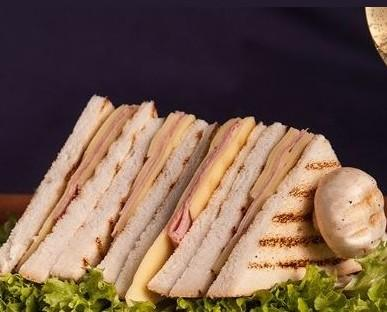 Pane. Pancarrè. Tipico esempio di preparazione con i nostri prodotti.