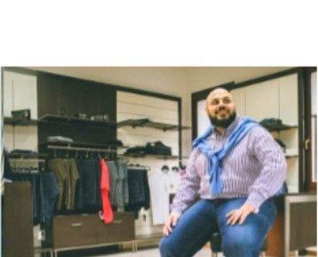 Jeans e camicia. Jeans strech abbinati a camicia in puro cotone botton down
