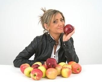 Trasformazione di mele. Produzione Biologica