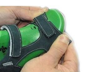 Sandali per bambino. Collezione estiva, produzione artigianale.