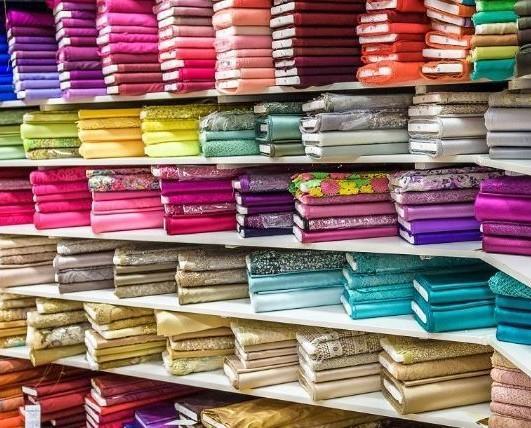 Tessuti per Abbigliamento. Tessuti stampati. Vasto assortimento di tessuti